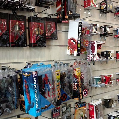 Action Figures & Mugs from your favourite Movies, Comics & Series!