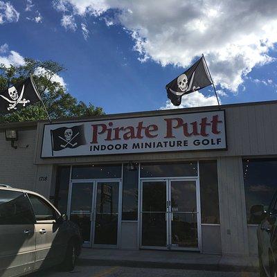 Pirate Putt facade