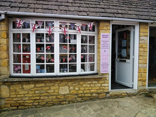 Lovely shop with great stock of wool