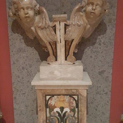 Altarino in marmo