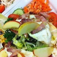 Salade de Chevre Chaud sur Crudités