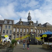 Stadhuis Roermond op de Markt 31 uit het jaar 1700-1876
