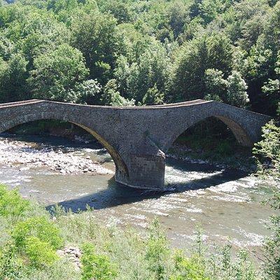 Ponte della Fola, bello e inserito in un contesto molto interessante