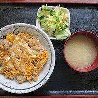 豚丼附湯650日圓(小菜無限續)