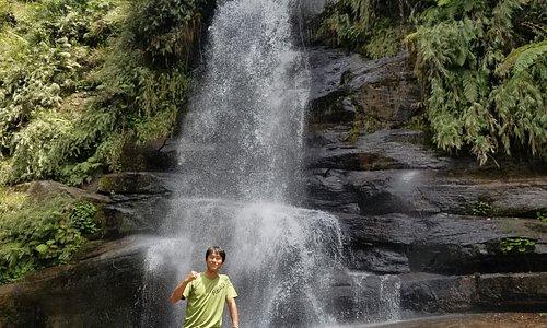 秘境のナーラの滝