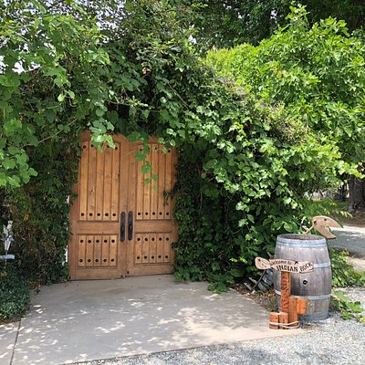 The main entrance to the tasting room at Indian Rock Vineyard