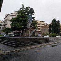 Fontana al Paracadutista d'Italia