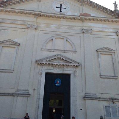 Chiesa di San Pietro in stile neoclassico a san Pietro in Volta di Pellestrina