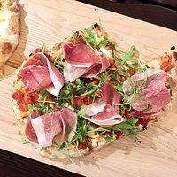 Пицца с пармской ветчиной - эксклюзивная пицца в Вологде