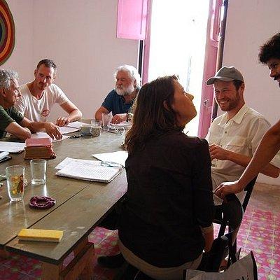 Clase de español con Agustin, profesor, en la escuela La Calle