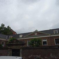 Hodshon Dedelhof;Eerste Weteringdwarststraat 83-95
