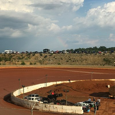 Volunteer Speedway is my favorite home dirt track.