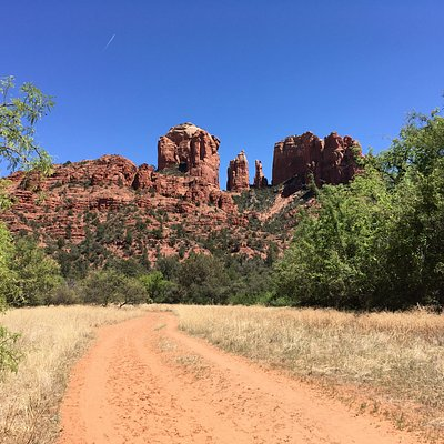 Take the Baldwin Trail from Verde Valley School Rd. to access Templeton from west side of Cathed