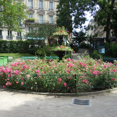 La fontaine en fleurs