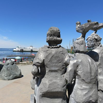 Statue and WA State Ferry from Edmonds