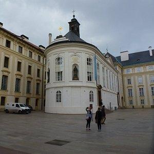 Одна из фоток Второго двора Пражского града