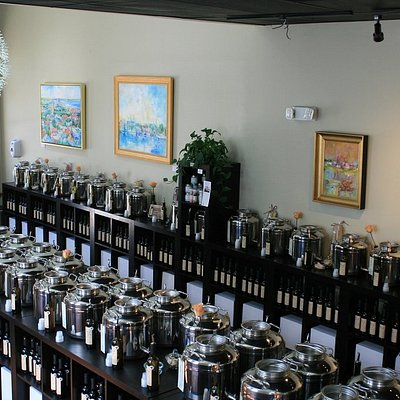 Featuring over 60 oils & vinegars to taste, plus artwork by local artists