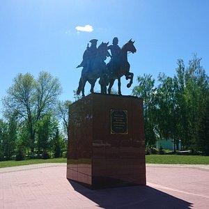 Памятник Петру Великому и А. Меншикову