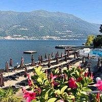 La nostra spiaggia attrezzata con piscina sul lago di Como. Per info www.lidobellano.com