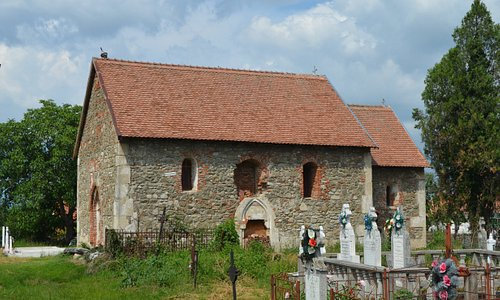 Sanpetru Medieval Church