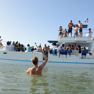 Amazing half day trip on party boat with snorkeling and natural pool