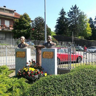 I busti commemorativi a dx Filante