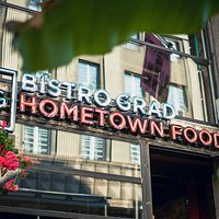 Bistro Grad Hometown Food entrance