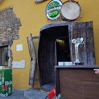 A entrada da Taberna