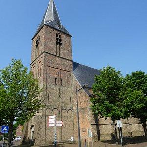 Middeleeuwse Olster Willibrord-kerk of Nederlands Hervormde Kerk