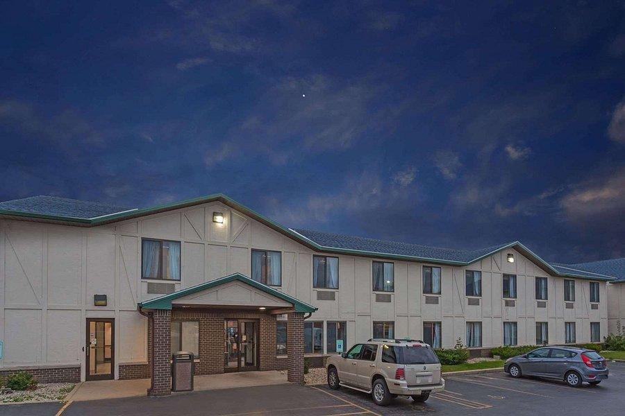 super 8 by wyndham delavan near lake geneva 59 7 5 updated 2020 prices motel reviews wi tripadvisor by wyndham delavan near lake geneva