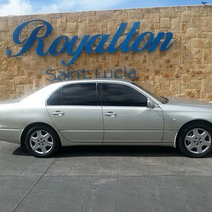 Airport Transfer From UVF Airport to Royalton St Lucia.