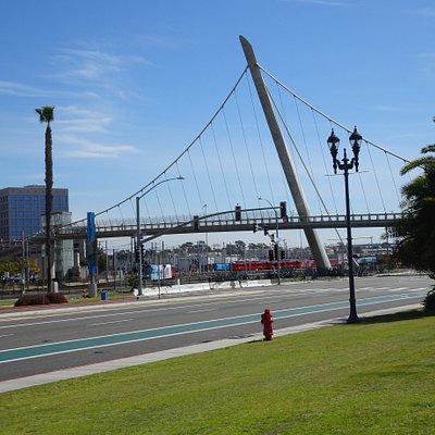 Grand piece of bridge architecture