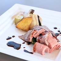 Olive-fed beef lunch set  ¥1,800-
