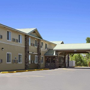 Welcome to the Days Inn and Suites Gunnison