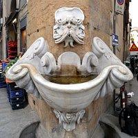 ブオンタレンティの噴水