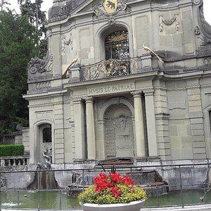 Wasserschlossfassade am Thunplatz