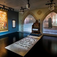The throne room is the introduction to the story of King Richard III