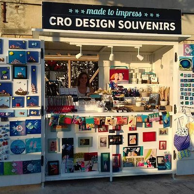 Cro design souvenir shop