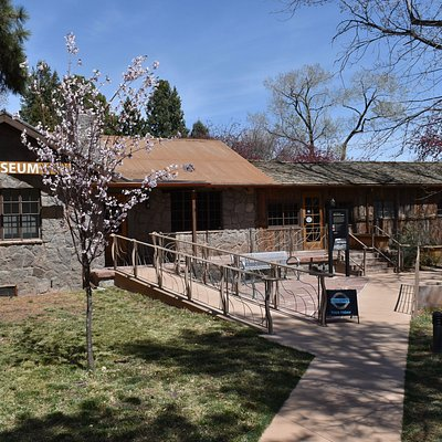 Entrance to the Los Alamos History Museum
