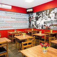 Salão da Suprema Pizza Cine