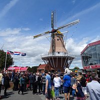 You can find Oranjehof, next to the Dutch windmill on Mainstreet in Foxton