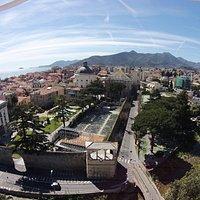 Vista dall'alto sul Giardino del Principe, Palazzo Doria, Piazza Italia e la cupola S.Battista