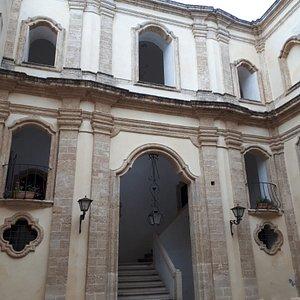 Atrio interno del palazzo