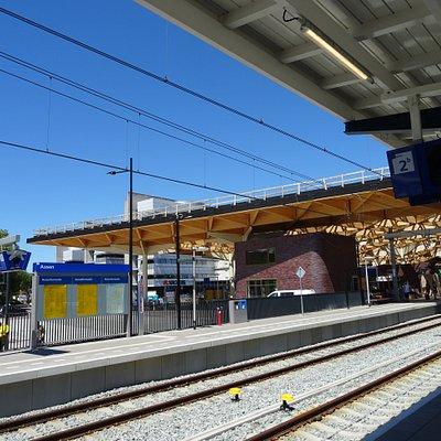 vernieuwde NS station Assen met Fietspoint fietsverhuur