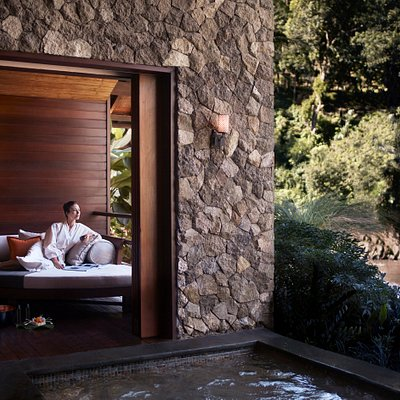 Mandapa Spa Suite room for couples