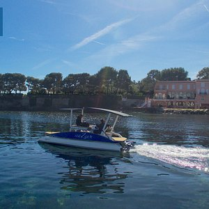 Soak up a Zen, silent and elegant experience aboard a solar powered boat - boat rental up to 8 p