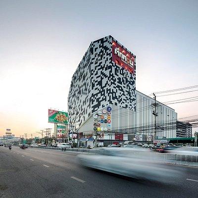 Tukcom Chonburi ตึกคอมชลบุรี