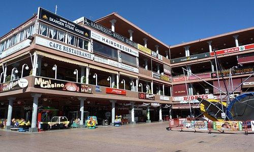 Yumbo köpcentrum i Playa Ingles