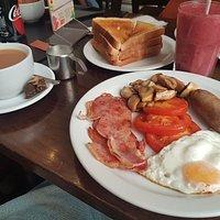 English Breakfast (sans Baked Beans)