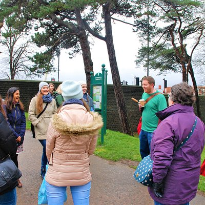 On Fogo's Free Cardiff Walking Tours in Bute Park